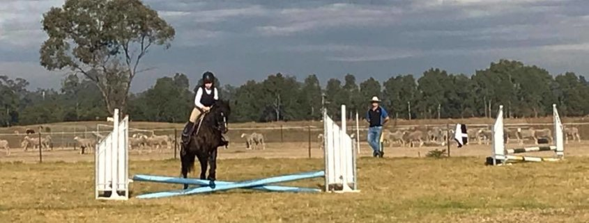Whaou... what a day of Showjumping!   It was a first for Myah and Melissa today,
